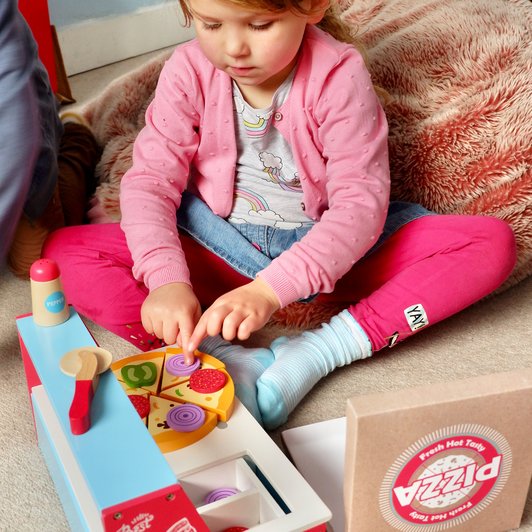Wooden Pizza Oven With Accessories for creative role play