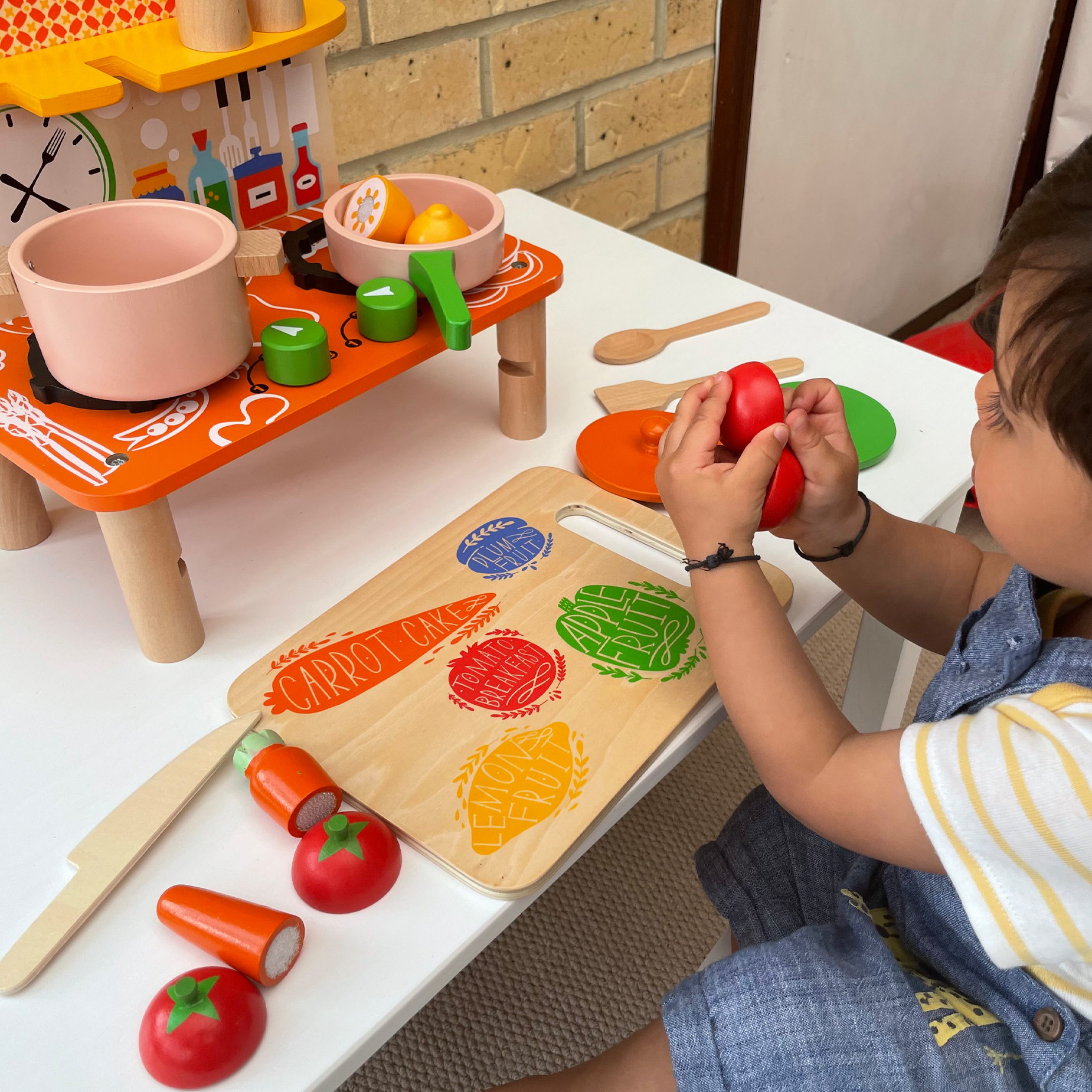enhance creativity & Motor skills with Perfect Play Kitchen Set